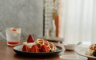 高雄苓雅|小戶室-溫暖與溫柔的的結合,老房裡的鬆餅專門