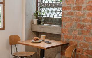 台北中山|嶼木早餐-老房裡的手工漢堡、印度烤餅,舒服吃上一份早午餐
